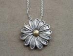 Susan Adams – Daisy Pendant Necklace
