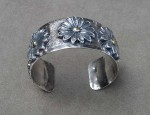 In Stock – Susan Adams – Daisy Bracelet